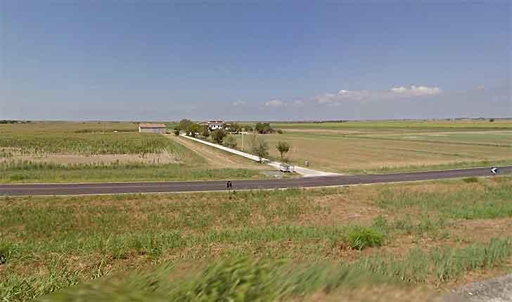 Barricate sulla provinciale contro i migranti nel Ferrarese